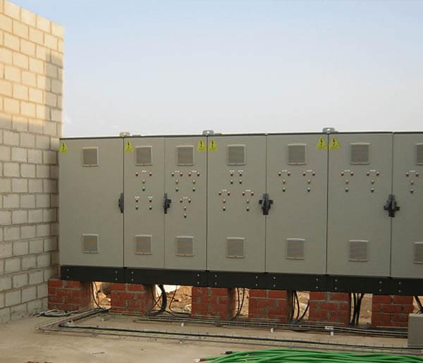 Cuadros Eléctricos en planta industrial